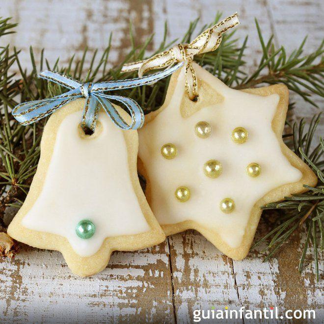 Galletas de Navidad decoradas con chocolate blanco