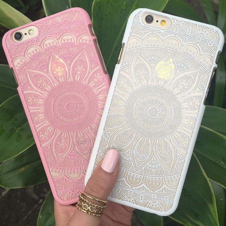 NEW STUNNING INSPIRATION - Shine bright with these gorgeous Sunflower Mandala cases from @mahalocases   Tag your BFF and shop www.mahalocases.com for matching styles  @mahalocases @mahalocases #howtochic #ootd #outfit