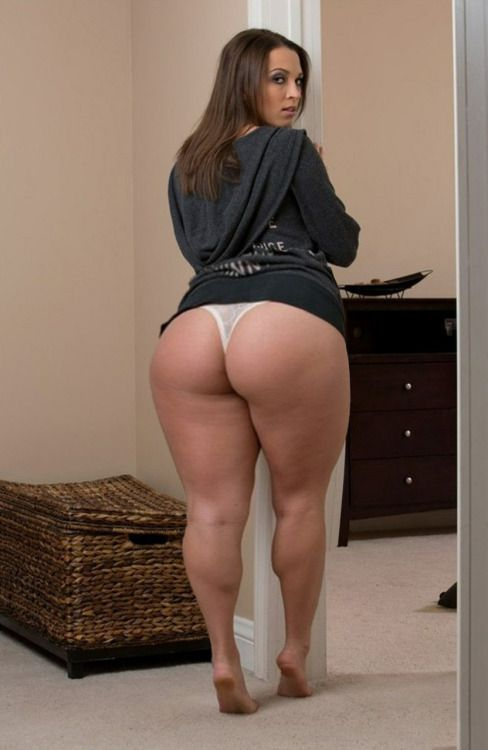 Mature woman ass big