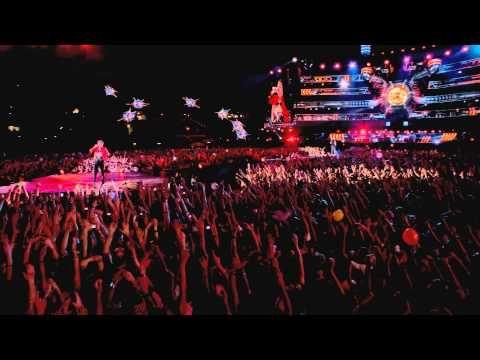 ▶ Starlight - Live At Rome Olympic Stadium - YouTube