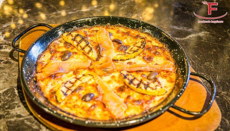 Στο Famigliano η απόλαυση γίνεται πραγματικότητα...   #Famigliano #Handmade_Happiness #Pizza #Pasta #Burgers #Focaccia #Sweets_and_Coffee #Λευκός_Πύργος