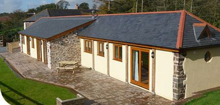 Newhouse Farm Cottages, Witheridge, Tiverton, Devon, England. Pet Friendly self Catering Holiday Accommodation.