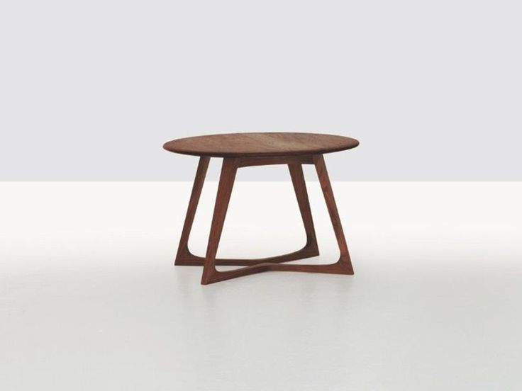 Low round wooden coffee table TWIST COUCH TWIST Collection by ZEITRAUM | design Formstelle