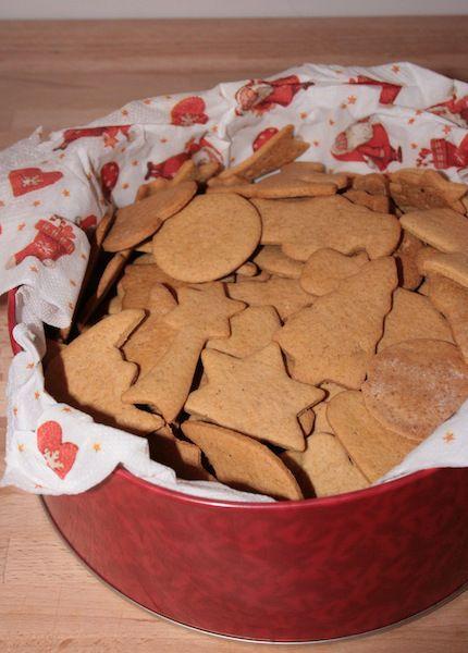 Pepperkaker - Traditional Norwegian gingerbread cookies
