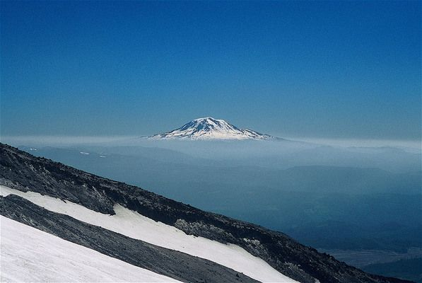 The highest point in Washington state is a volcano covered in glaciers
