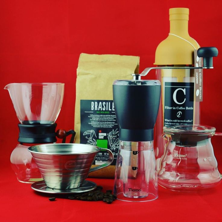 Elde kahve demlemeyi sevenler için #eldeğirmeni #v60 #coldbrew #kalita #woodneck #thirdwavecoffee #coffeegeek #specialtycoffee #barista #twitter #kahve #brew by #espressoperfettotr