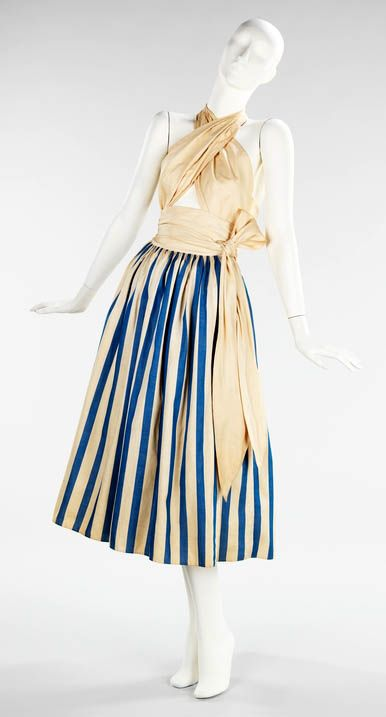 Clair McCardell design.  Vintage fashion but I sure would love a sundress like this now!!! Cute!