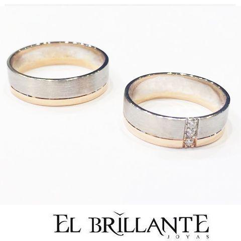 Regala una propuesta inolvidable! Qué opinas de estas hermosas argollas como estas en oro blanco y oro rosado con 3 diamantes de 0,015 cts?  http://www.elbrillantejoyeria.com.co/tienda/ref-arg044/  Anillos de compromiso y argollas de matrimonio.   #ElBrillanteJoyas  http://www.elbrillantejoyeria.com.co/