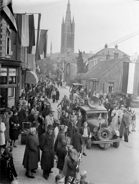 De bevrijding, 1945. Oud Hilversum en omstreken | Honderden oude foto's vanaf 1885 tot heden met zeer veel unieke beelden kijk zelf maar even.