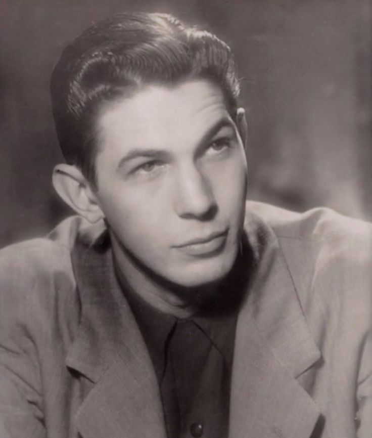 Hoo!!! Young Lenard Nimoy was hot as a teen!! He was hot all through adult hood too but dang!