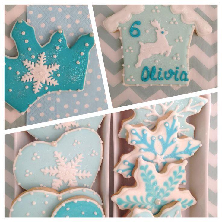 Galletas decoradas para la fiesta de nuestra olivia por @larycookies #lafiestadeolivia #frozen #cookies