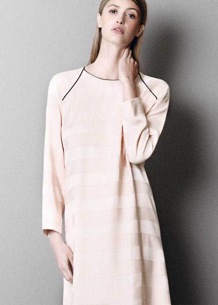 Gustav Kjole pudder 18509 A Shape Dress – acorns