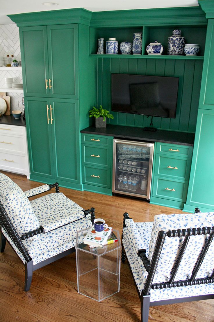 Emily Clark's keeping room with the Shiloh Spool Chair