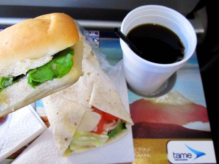 Reseña sobre el vuelo con #TAME, linea aérea del #Ecuador en la ruta Galápagos-Guayaquil en www.placeok.com