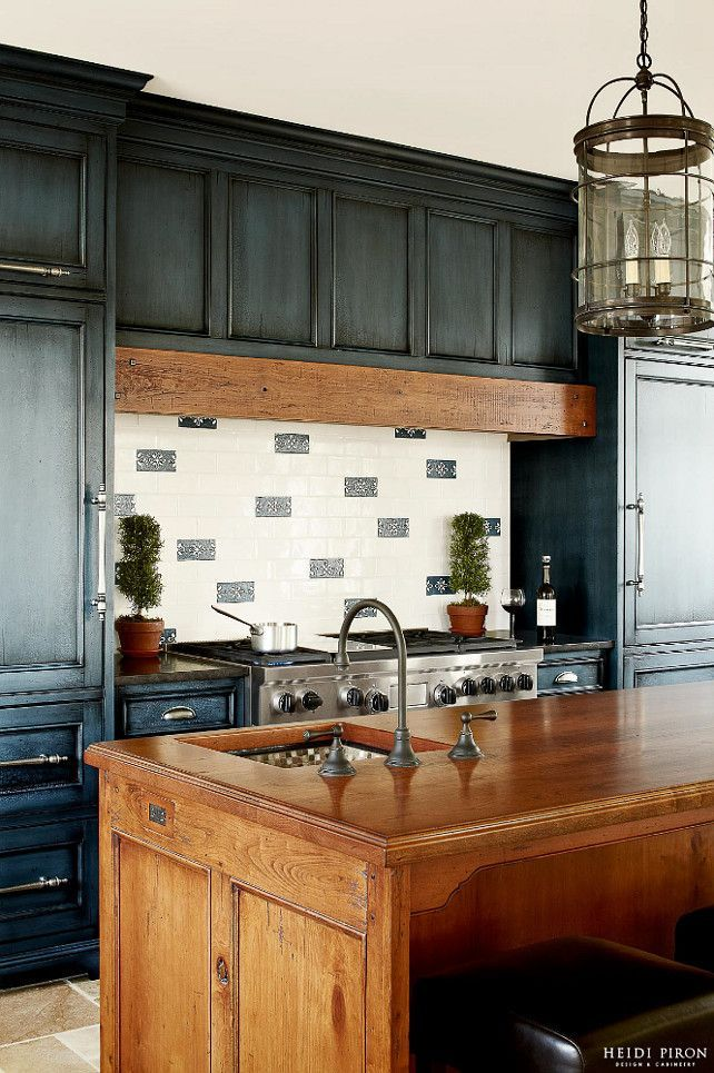 Distressed Teal Kitchen Cabinets 2021 in 2020   Kitchen ...