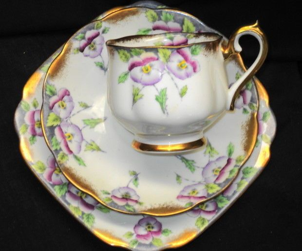 ROYAL ALBERT  ENGLAND PANSY PAINTED TEA CUP AND SAUCER TRIO PLATE