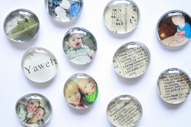 Home made glass magnets.  Great gift idea!Christmas Gift Ideas, Grandparents Gift, Homemade Christmas Gifts, Crafts Ideas, Dollar Stores, Photos Magnets, Pictures Magnets, Diy, Glasses Magnets