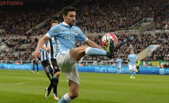 Jesús Navas se va del Manchester City