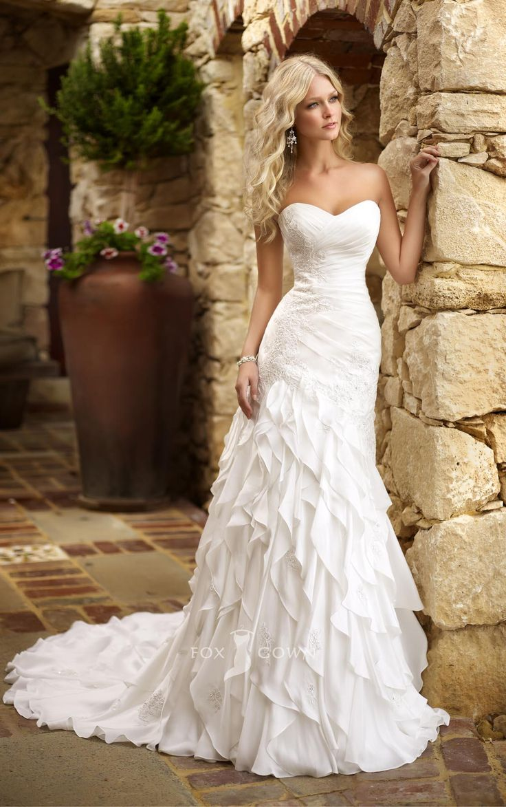 fabulous sweetheart strapless fit and flare tiered ruffle skirt wedding dress