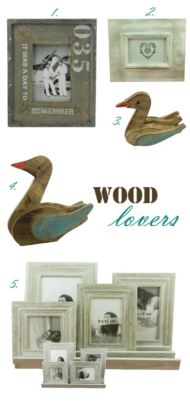 Αν θες να δώσεις νέα πνοή στην κρεβατοκάμαρά σου, σου προτείνουμε να προσθέσεις ορισμένα επιλεγμένα αντικείμενα από ξύλο. Ένα ζευγάρι ξύλινες πάπιες λέγεται ότι συμβάλει στην ενίσχυση του δεσμού μεταξύ των ζευγαριών, ειδικά αν τοποθετηθούν στο κομοδίνο ή σε κάποιο σημείο στην νοτιοδυτική πλευρά του δωματίου κοιτάζοντας προς το εσωτερικό του. #homeideas #homedeco #bedroom #bedroomdecor  http://lovelyhome.gr/tips/xilines-papies-kai-kornizes