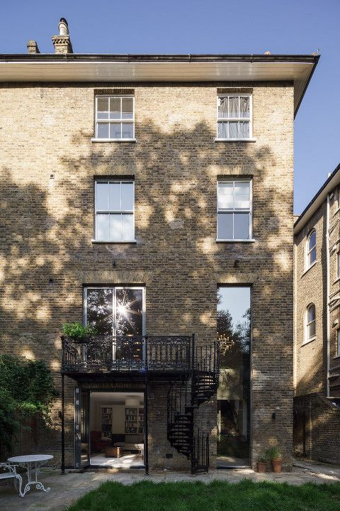 mark-hadden-architecture-photographer-architectuur-interieur-fotografie-london-amsterdam-nimtim-001-Edit Georgian house, folding sliding doors, cast iron balcony, slot window, double height window