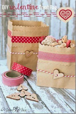 bolsas de papel decoradas con corazones Bolsas de papel decoradas para San Valentín