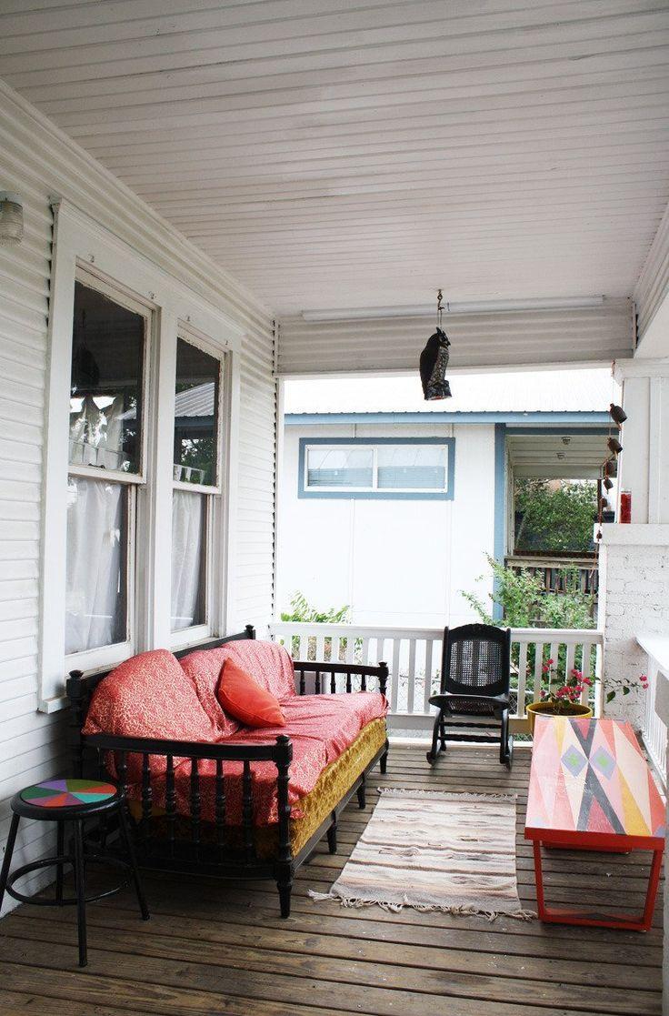 Erin's Warm & Wood-Wrapped Austin Budget Bungalow