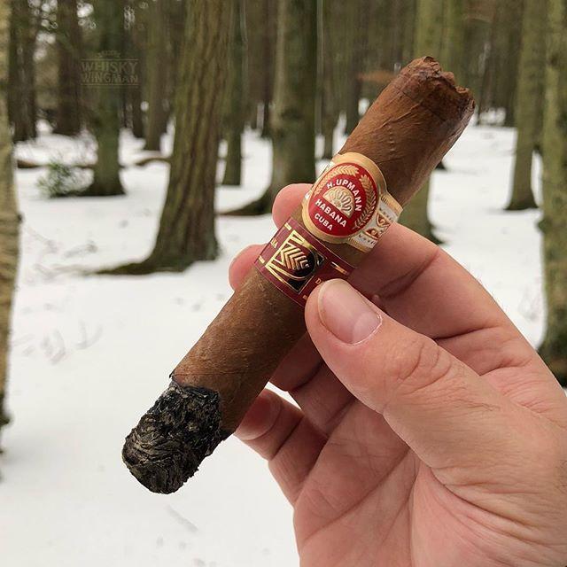 2012 H Upmann Royal Robusto while out with The Horse . . . #botl #cigaroftheday #cubancigars #cigar #whiskywingman #howiroll #instalife #showpony #justwingit #doyouevendrambro #cigartime #cigarsmoker #nowsmoking #cigarstyle #cigarsocial #cigarworld #cigarporn #cigaraficionado #cigars #cigarpic #scottishcigarsmoker #tartancigarmilitia #cigarstocelebrate #habanos #sharetheleafsharethelove #cigarphotography #cigarlover #cigarlife