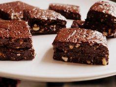 Los brownies más fáciles del mundo. ¡No necesitan ni horneado ni cocinarse en el microondas! http://cocina.facilisimo.com/blogs/recetas-postres/brownies-sin-horno-los-brownies-mas-faciles_1201953.html?aco=131r&fba
