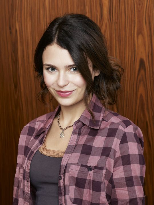 Alexandra Krosney as Lily ..... Alexandra Benjamin Krosney 25 (born January 28, 1988)[1] is an American film and television actress. She is best known for her role as Kristin Baxter on the ABC sitcom Last Man Standing during the show's first season.