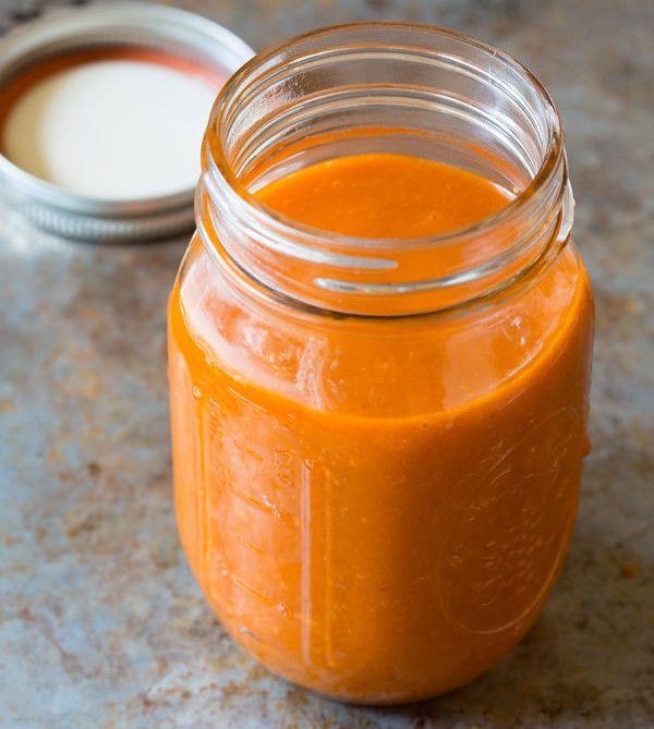 Essayez cette excellente vinaigrette… vous pouvez même vous en servir comme sauce. Très bon et très facile à faire 🙂