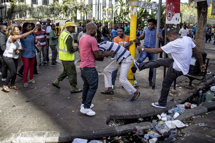 xenophobia south africa - Black South Africans attacking foreigners (black!)