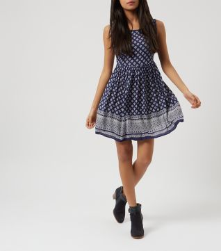 £19.99 New Look Blue Tile Print Border Smock Dress