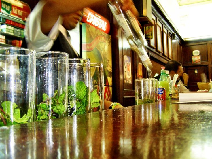 My Havana bar crawl guide for your trip to Cuba - which bar serves the best mojito in Havana?