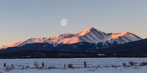 Sunrise photography of Colorado 14er Mt. Elbert taken near Leadville on a cold February morning. Mt. Elbert is the highest peak in the Colorado Rocky Mountians - Fine art prints by Aaron Spong