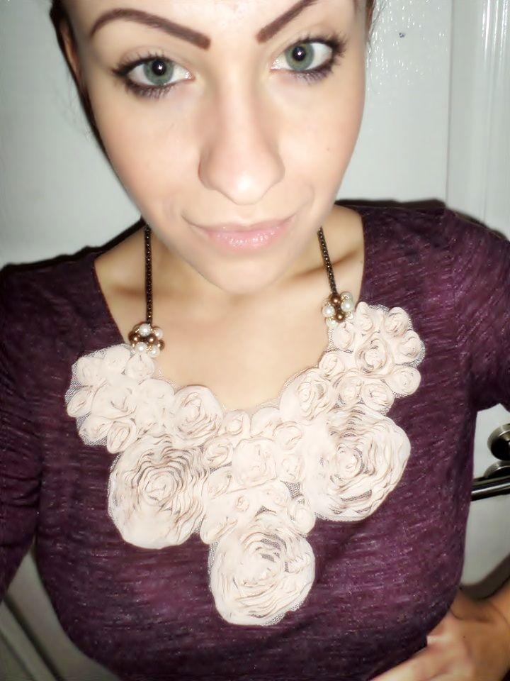 Flower necklace (handmade)