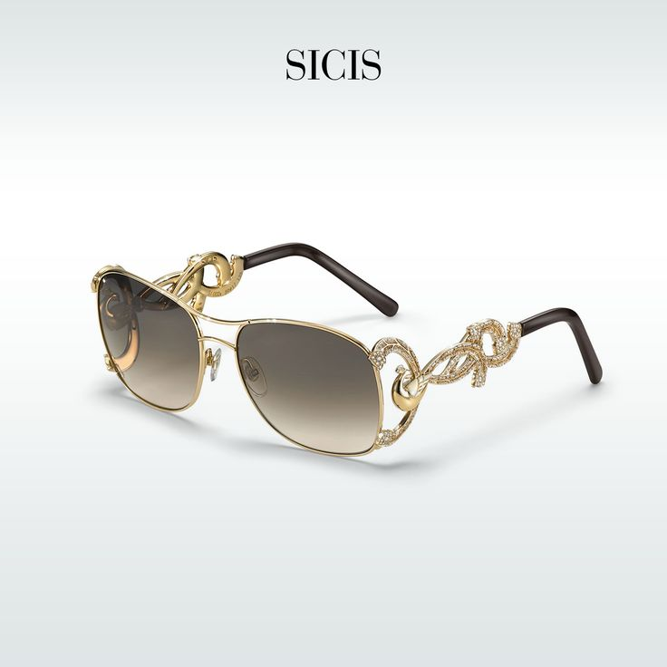 Protect your eyes from the sun with our unique sunglasses in gold and micro mosaic.