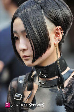 120929-0439 – Japanese street fashion in Harajuku, Tokyo