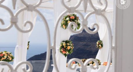Wedding at Dana Villas, Santorini, 26th of June 2016  Colorful wedding in Santorini Wedding décor and flower design: Fabio Zardi