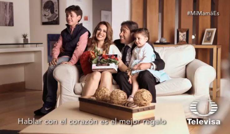 Luz Elena González no pudo evitar el llanto cuando leyó lo que significa para su familia ¡Festejó en grande el ser mamá!