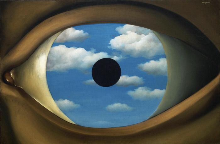 Le faux miroir (The False Mirror). Peinture de Renee Magritte (1898-1967), huile sur toile, 1928. Art belge, 20e siecle, surrealisme. MOMA, New York (USA) © Museum of Modern Art, New York ©FineArtImages/Leemage ©ADAGP (Tel: + 33 01 43 59 09 79) MONDADORI PORTFOLIO/LEEMAGE