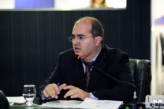 Ricardo Nicolau defende processo seletivo para substituir terceirização da saúde A contratação temporária de profissionais da enfermagem via