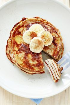 3 Ingredient Pancakes - 1. To make the pancakes, in a bowl, combine the banana, eggs and cinnamon.
