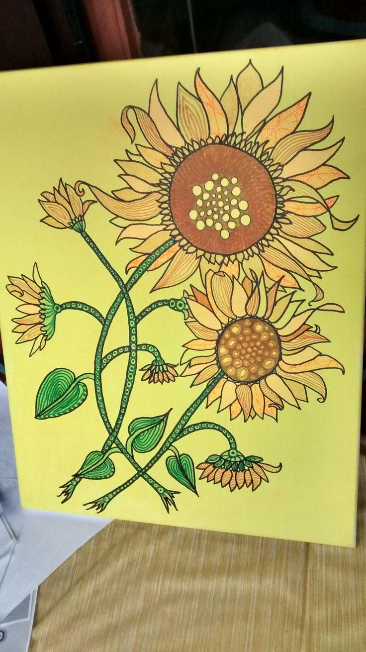 Sonnenblumen Leider habe ich dieses Bild statt mit transparentem Lack ,mit schwarzem Lack angesprüht.Die leuchtenden Farben waren sofort hin. :-(( gelbe Acrylfarbe als Hintergrund, schwarzer Fineliner, Faserstifte 30 x 40 cm
