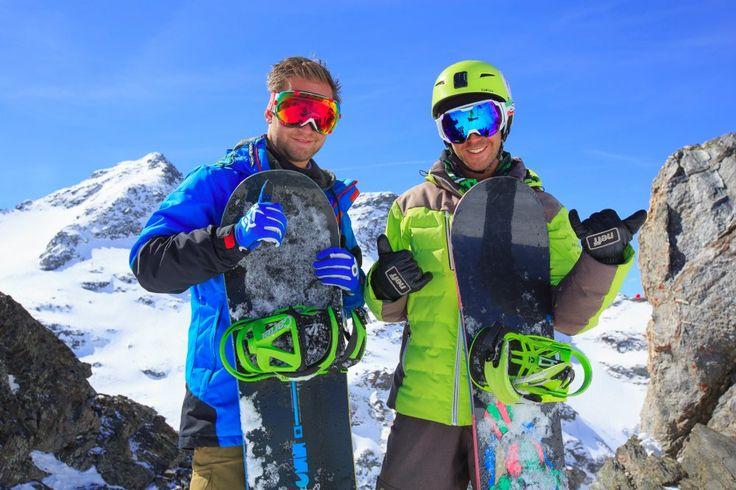 L'ex-snowboardeuse de haut niveau Claire Jurine-Gastaud dirige la team Proneige composée de 75 moniteurs multilangues, 20 ski men, 15 techniciens et 5 spécialistes du bootfitting, dont les clients ne peuvent plus se passer.