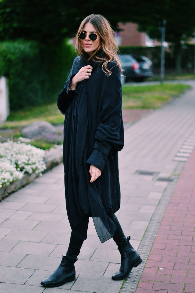 MAJA WHY | all black | layers