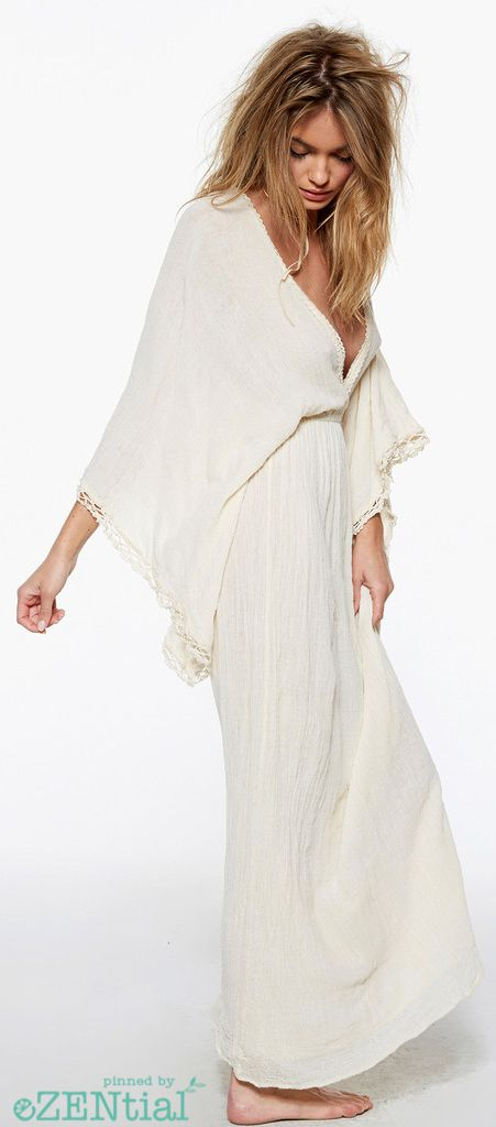 Boho bohemian gypsy hippie white tunic. For more follow www.pinterest.com/ninayay and stay positively #pinspired #pinspire @ninayay