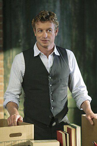 Simon Baker - open neck suit vest look