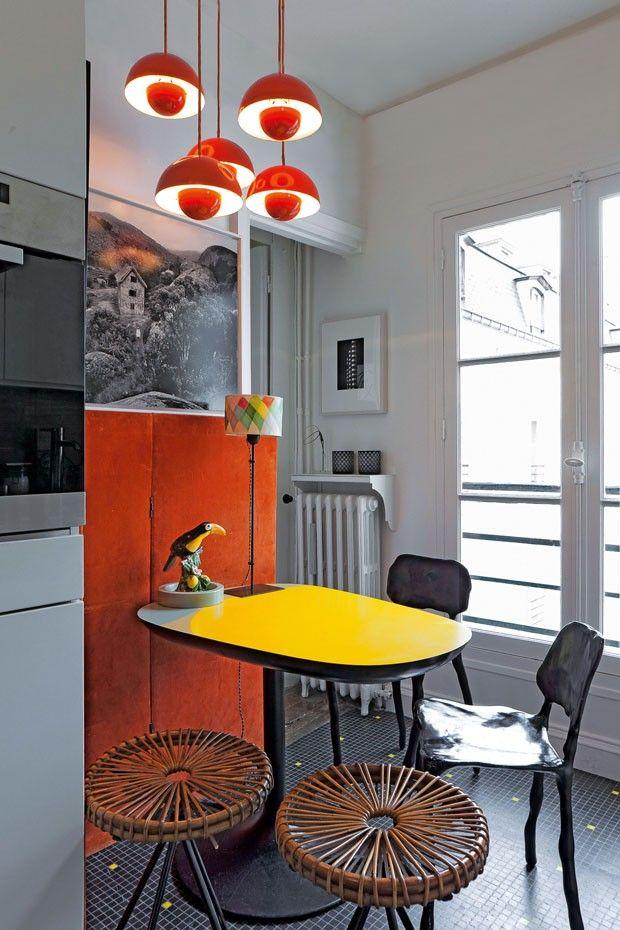 Marteen Baas chairs, lamp Verner Pantone and India Mahdavi table (Photo: Derek Hudson)