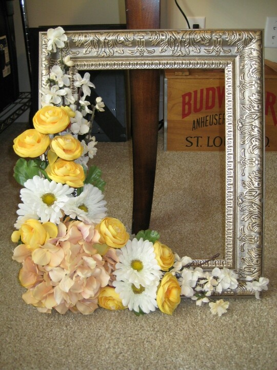 """2.20.2013 LINDA'S """"WREATH"""" for her front door. gold, yellow and daisies per request :-)"""